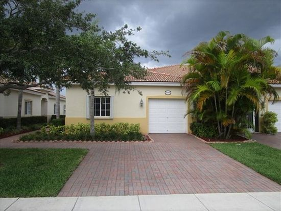 2340 Windjammer Way, West Palm Beach, FL 33411