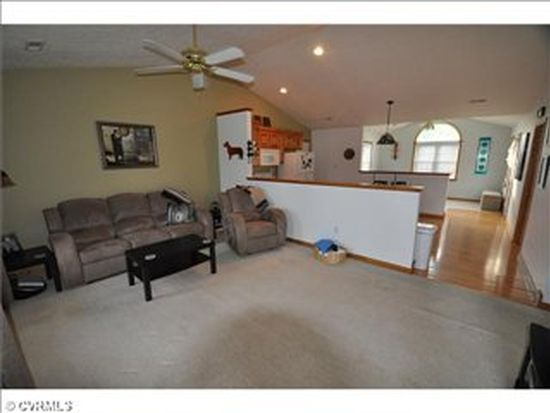 8227 Christopher Paul Dr, Mechanicsville, VA 23111