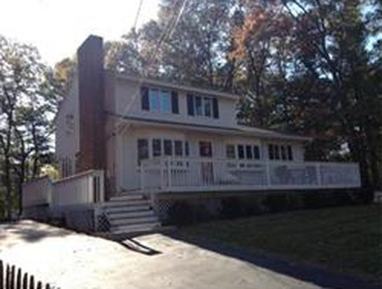 11 Jonathan Rd, Burlington, MA 01803