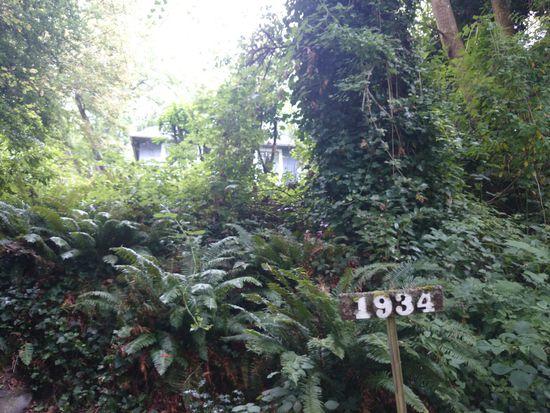 1934 42nd Ave SW, Seattle, WA 98116