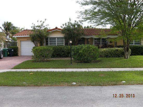 2221 SW 98th Pl, Miami, FL 33165
