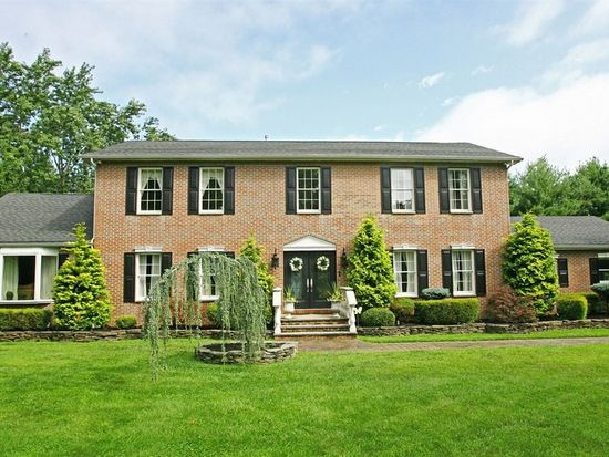 1 Molly Pitcher Ln, Freehold, NJ 07728