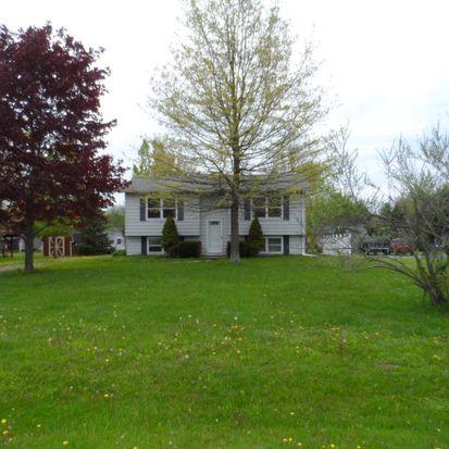 22042 Crimson Dr, Meadville, PA 16335