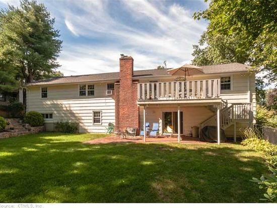 15 Birch Hill Dr, West Hartford, CT 06107