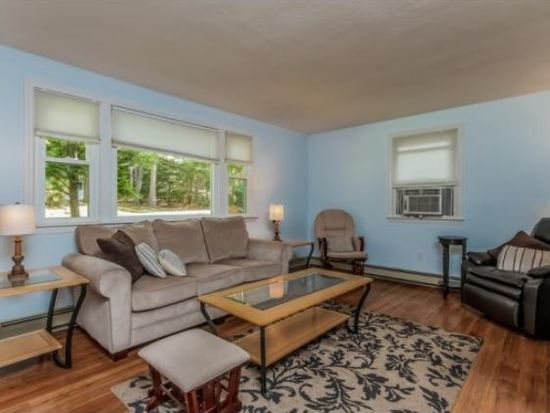 17 3rd Ave, Goffstown, NH 03045