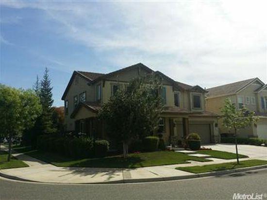 207 Rossini Dr, Oakdale, CA 95361