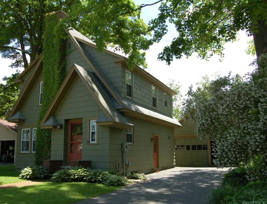 7 Manville St, Great Barrington, MA 01230