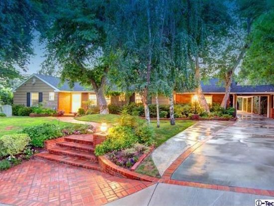 5051 Commonwealth Ave, La Canada Flintridge, CA 91011