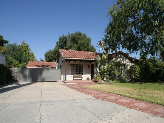 1868 N Holliston Ave, Pasadena, CA 91104