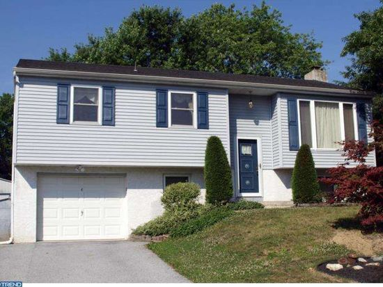 4 Dale Dr, Oley, PA 19547