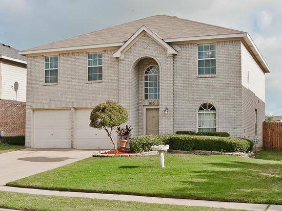 2812 N Hampton Dr, Grand Prairie, TX 75052