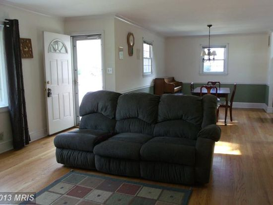 607 Brian St, Baltimore, MD 21225