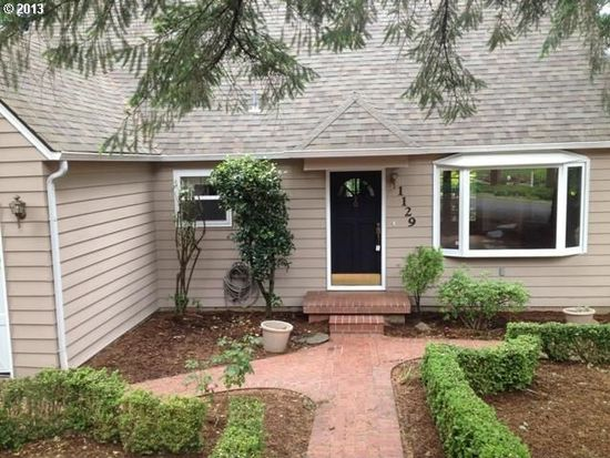 1129 Cherry Ln, Lake Oswego, OR 97034