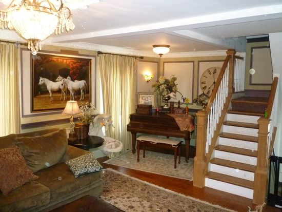 103 Chestnut St, Ridgewood, NJ 07450