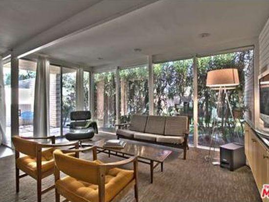 360 Cabrillo Rd APT 122, Palm Springs, CA 92262