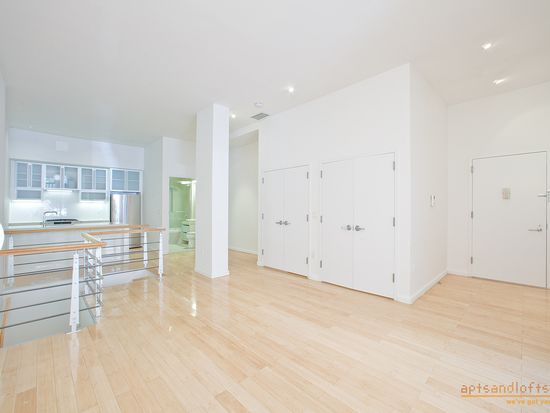 118 Greenpoint Ave APT 1C, Brooklyn, NY 11222