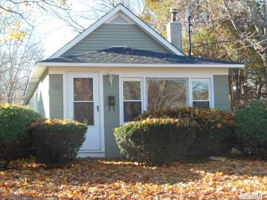 422 Kane Ave, East Patchogue, NY 11772