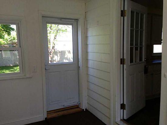 83 Sunny Cove Dr, Warwick, RI 02889