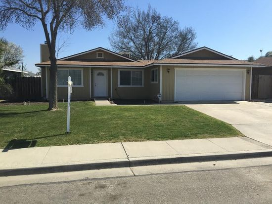 1795 Harrison Ave, Hanford, CA 93230