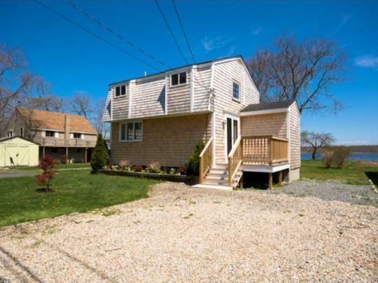 29 Baron Rd, Barrington, RI 02806