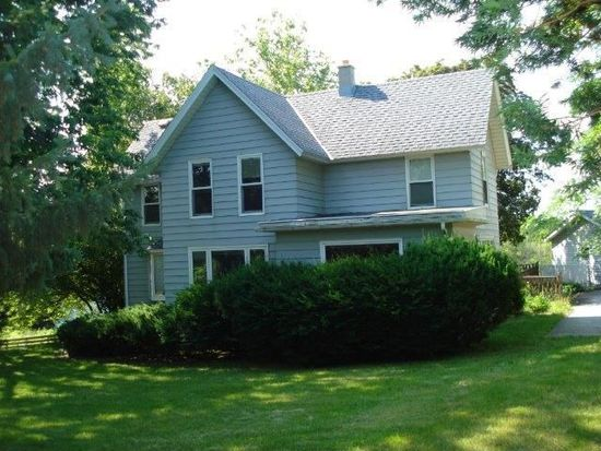 S67W20949 Tans Dr, Muskego, WI 53150