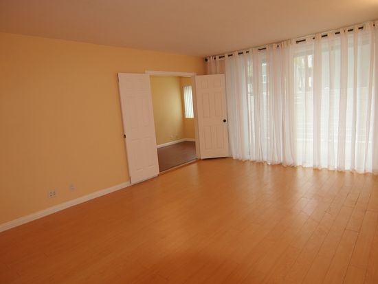 4915 Tyrone Ave APT 108, Sherman Oaks, CA 91423