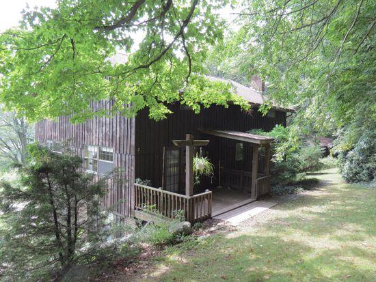 12161 Walton Hill Rd, Meadville, PA 16335