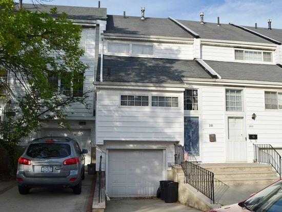 261 Dover Grn, Staten Island, NY 10312