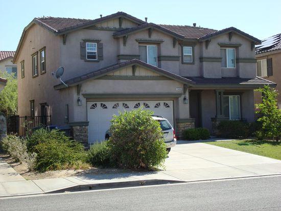 2406 Delicious Ln, Palmdale, CA 93551