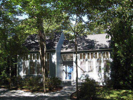 25 Richards Dr, Sag Harbor, NY 11963