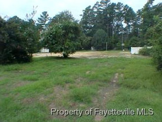 1916 Columbia Dr, Fayetteville, NC 28304