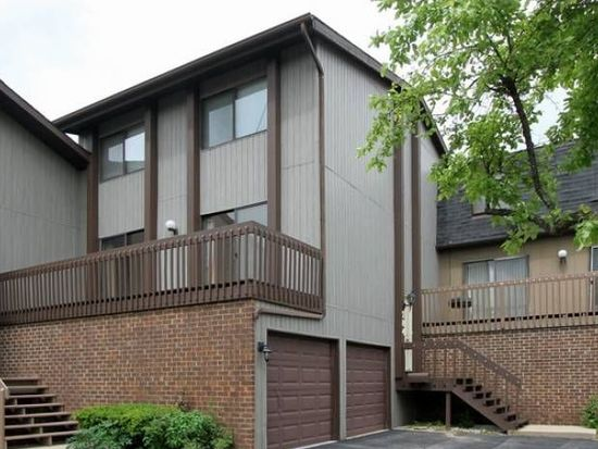 784 Golfview Dr, Roselle, IL 60172