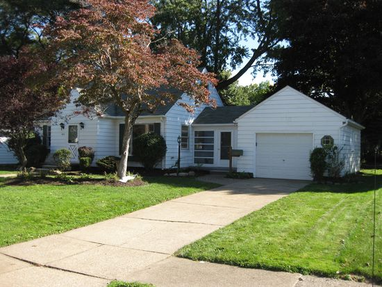 1600 Osage Ave, Akron, OH 44305