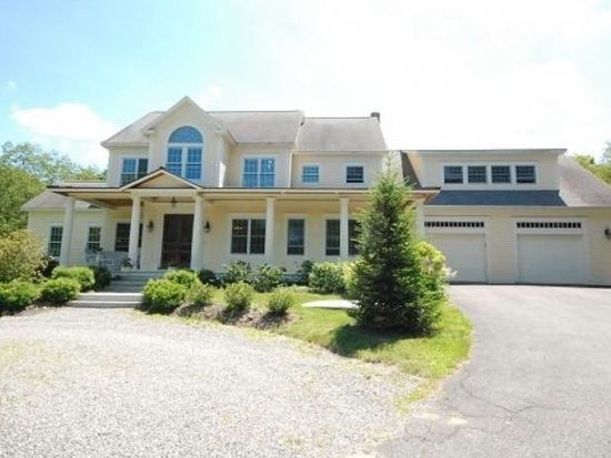 35 Rosemary Ln, Freeport, ME 04032