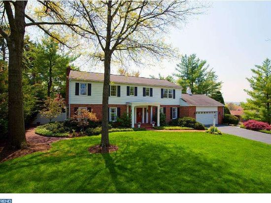 6 Junco Dr, Wyomissing, PA 19610