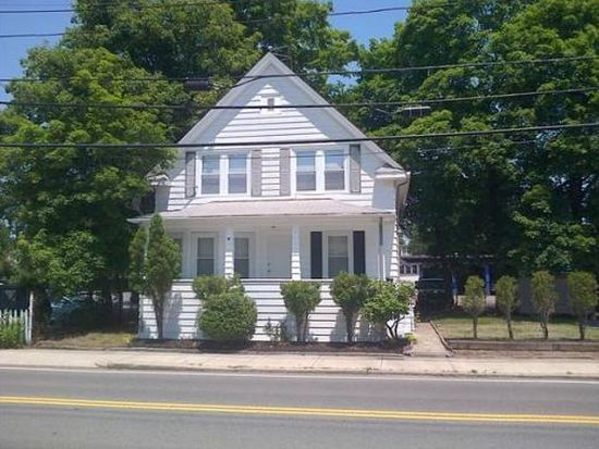 22 Maple St, Attleboro, MA 02703