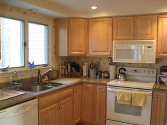 5 Pine Meadows Dr # 5, Exeter, NH 03833
