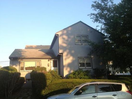 71 Crest Ave, Revere, MA 02151
