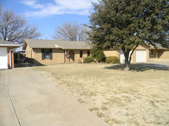1311 Jefferson St, Plainview, TX 79072