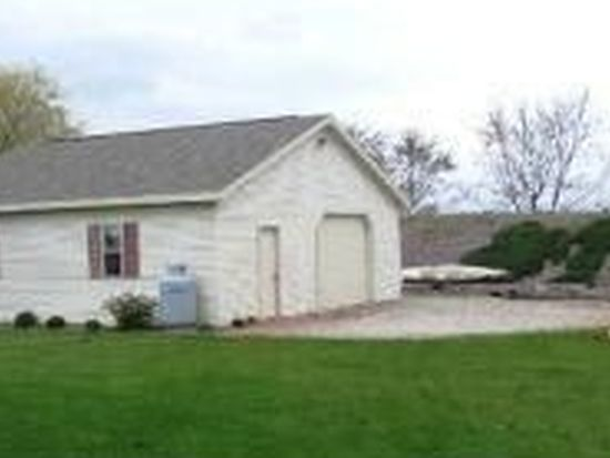 530 Superior Rd, Green Bay, WI 54311