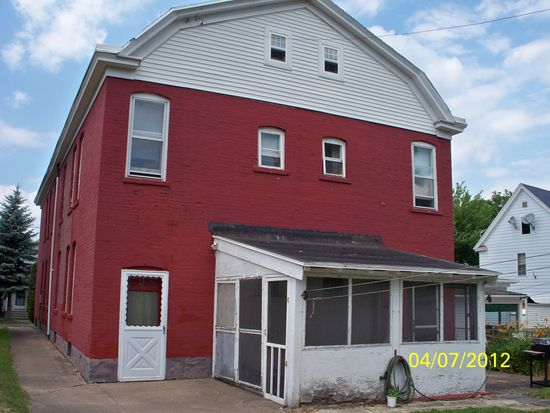 1007 Nichols St, Utica, NY 13501