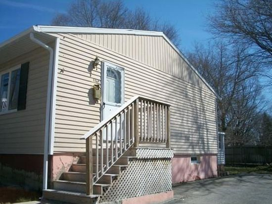 1069 President Ave, Fall River, MA 02720