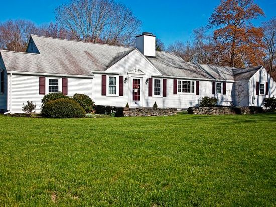 6 High St, Pembroke, MA 02359