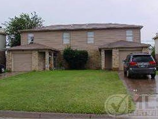 816 NW Summercrest Blvd, Burleson, TX 76028