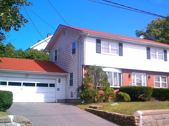1 Pierce St, Westerly, RI 02891