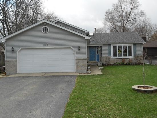 1103 Ash St, Lake In The Hills, IL 60156