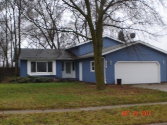 5009 W Greenbrier Dr, Mchenry, IL 60050
