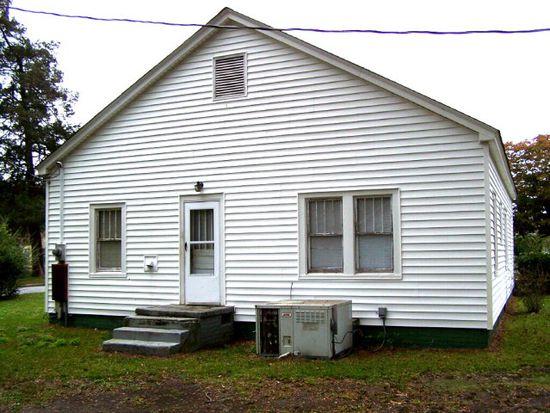 219 W Railroad St, La Grange, NC 28551