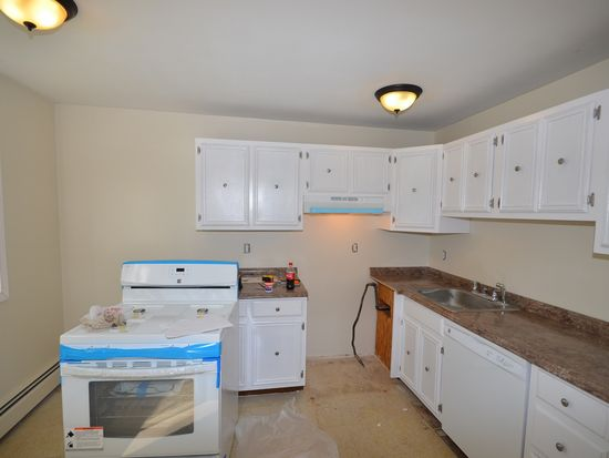 54 Fernview Ave APT 4, North Andover, MA 01845