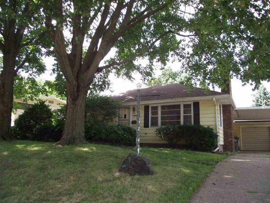 1412 Lincoln Rd, Bettendorf, IA 52722